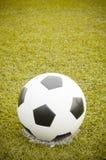 ποδόσφαιρο πεδίων σφαιρών Στοκ φωτογραφία με δικαίωμα ελεύθερης χρήσης