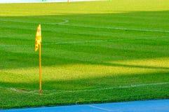 ποδόσφαιρο σημαιών πεδίων γωνιών Στοκ Εικόνες