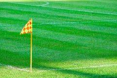 ποδόσφαιρο σημαιών πεδίων γωνιών Στοκ φωτογραφία με δικαίωμα ελεύθερης χρήσης