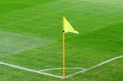 ποδόσφαιρο σημαιών πεδίων & Στοκ Φωτογραφίες