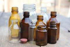 Πολύχρωμα μπουκάλια φαρμακείων Στοκ Εικόνα