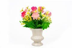 Πολύχρωμα λουλούδια σε ένα βάζο στοκ φωτογραφίες