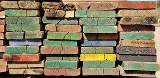 Πολύχρωμες σανίδες υλικών σκαλωσιάς Στοκ φωτογραφία με δικαίωμα ελεύθερης χρήσης