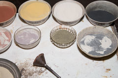 Πολύχρωμη άμμος για τα παραδοσιακά αναμνηστικά στην Ιορδανία Στοκ Φωτογραφία