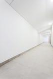 Πολύ άσπρος καθαρός διάδρομος Στοκ Φωτογραφίες