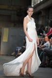 Πολύ άσπρο φόρεμα Στοκ Εικόνες