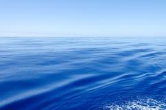 Πολύ ήρεμος ωκεανός Στοκ Εικόνες