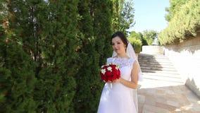 Πολύ ευτυχής νύφη σε αργή κίνηση απόθεμα βίντεο