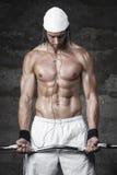 Πολύ ισχυρό προκλητικό bodybuilder Στοκ Εικόνες