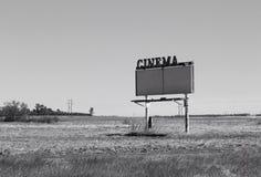 Πολύ κλειστό σημάδι ενός αλλοτινού Drive εποχής στη σκηνή κινηματογράφων Στοκ Εικόνα