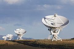 Πολύ μεγάλα δορυφορικά πιάτα σειράς Στοκ Εικόνες