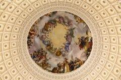 Πολύ ο τοπ Rotunda ή του θόλου του κτηρίου Capitol Στοκ εικόνα με δικαίωμα ελεύθερης χρήσης
