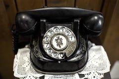 Πολύ παλαιό παλαιό κλασικό τηλέφωνο Στοκ εικόνα με δικαίωμα ελεύθερης χρήσης