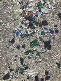 Πολύ σπασμένο μπουκάλι χρώματος Υπόβαθρο γυαλιού Στοκ Φωτογραφία