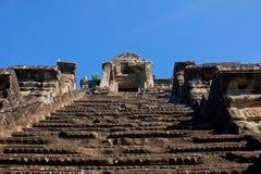 Πολύ υψηλά σκαλοπάτια στο ναό Angor wat στην Καμπότζη Στοκ φωτογραφία με δικαίωμα ελεύθερης χρήσης