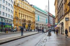 25 01 2018 Πράγα, Δημοκρατία της Τσεχίας - άποψη στην οδό στον παλαιό Στοκ φωτογραφία με δικαίωμα ελεύθερης χρήσης