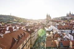 Πράγα, Δημοκρατία της Τσεχίας, στις 22 Απριλίου 2019 - άποψη της Πράγας από ένα ύψος Στέγες της Πράγας στοκ φωτογραφίες με δικαίωμα ελεύθερης χρήσης