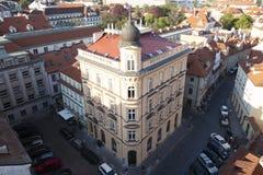 Πράγα, Δημοκρατία της Τσεχίας, στις 22 Απριλίου 2019 - άποψη της Πράγας από ένα ύψος Στέγες της Πράγας στοκ φωτογραφία
