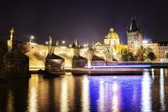 Πράγα, Δημοκρατία της Τσεχίας, στις 22 Απριλίου 2019 - άποψη του βραδιού Πράγα Λυκόφως στην Πράγα στοκ εικόνα