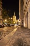 Πράγα, Δημοκρατία της Τσεχίας, στις 22 Απριλίου 2019 - οδοί βραδιού της Πράγας στοκ φωτογραφία με δικαίωμα ελεύθερης χρήσης