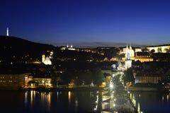Πράγα-παλαιά πόλη Sihlouette τή νύχτα στοκ εικόνα με δικαίωμα ελεύθερης χρήσης