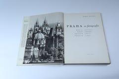 Πράγα στο βιβλίο εικόνων από το Karel Plicka Παράγραφος εισαγωγής στοκ φωτογραφίες