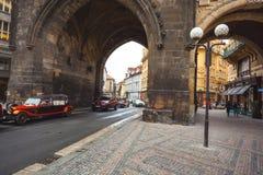 25 01 2018 Πράγα, τσεχικό Respublic - παλαιά αυτοκίνητα για μια περιήγηση με τα πόδια Στοκ Εικόνα