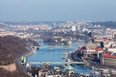 Πράγα. Vltava. Γέφυρες. Στοκ Φωτογραφία