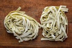 Πράσινα ζυμαρικά Tagliatelle Tagliolini Στοκ Φωτογραφίες