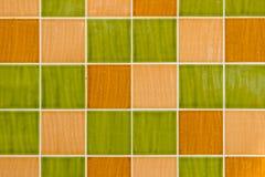Πράσινα και κίτρινα τετραγωνικά κεραμίδια Στοκ εικόνες με δικαίωμα ελεύθερης χρήσης