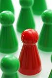Πράσινα και κόκκινα κομμάτια παιχνιδιών Στοκ φωτογραφίες με δικαίωμα ελεύθερης χρήσης