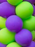 Πράσινα και πορφυρά μπαλόνια Στοκ Εικόνα