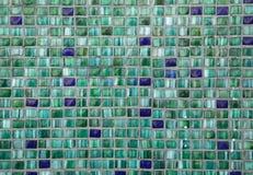 πράσινα κεραμίδια μωσαϊκών παλαιό παράθυρο σύστασης λεπτομέρειας ανασκόπησης ξύλινο Στοκ Φωτογραφίες