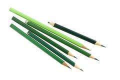 Πράσινα μολύβια χρώματος στο άσπρο υπόβαθρο Στοκ φωτογραφία με δικαίωμα ελεύθερης χρήσης