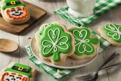 Πράσινα μπισκότα ημέρας του ST Patricks τριφυλλιού Στοκ Φωτογραφία