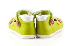πράσινα παπούτσια μωρών Στοκ Εικόνες