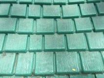 Πράσινα πλαστικά κεραμίδια στεγών σχεδίων Στοκ φωτογραφία με δικαίωμα ελεύθερης χρήσης