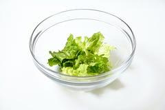 Πράσινα σαλάτα και arugula στο διαφανές κύπελλο Στοκ Εικόνα