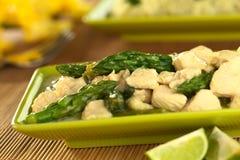 Πράσινα σπαράγγι και κοτόπουλο Fricassee Στοκ Εικόνες