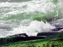 Πράσινα ωκεάνια κύματα Στοκ φωτογραφίες με δικαίωμα ελεύθερης χρήσης