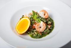 πράσινες γαρίδες σαλάτας Στοκ φωτογραφία με δικαίωμα ελεύθερης χρήσης
