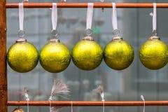 πράσινες διακοσμήσεις Χριστουγέννων Στοκ Φωτογραφίες