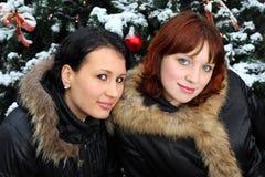 πράσινες κοντινές γυναίκ&epsi Στοκ φωτογραφίες με δικαίωμα ελεύθερης χρήσης