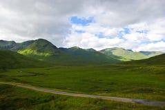 πράσινες ορεινές περιοχέ&si Στοκ Εικόνες