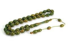 Πράσινες χρωματισμένες bakelite rosary χάντρες προσευχής που απομονώνονται στο λευκό στοκ εικόνα