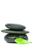πράσινες leaf spa πέτρες στοκ φωτογραφίες