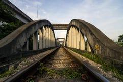 Πράσινη γέφυρα σιδηροδρόμων Στοκ εικόνες με δικαίωμα ελεύθερης χρήσης