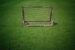 Πράσινη Γραμμή καθαρό λευκό χλόης στόχου ποδοσφαίρου Στοκ Εικόνες