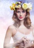 πράσινη γυναίκα άνοιξη έννοιας κίτρινη στοκ εικόνες με δικαίωμα ελεύθερης χρήσης