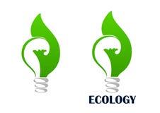 Πράσινη ενεργειακή λάμπα φωτός με το εικονίδιο φύλλων Στοκ φωτογραφία με δικαίωμα ελεύθερης χρήσης